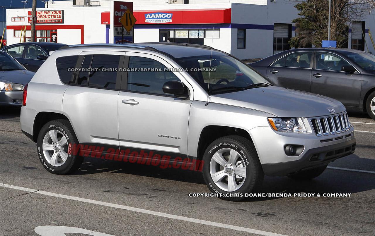 autos am ricaines blog 2011 jeep compass plus haut de gamme. Black Bedroom Furniture Sets. Home Design Ideas