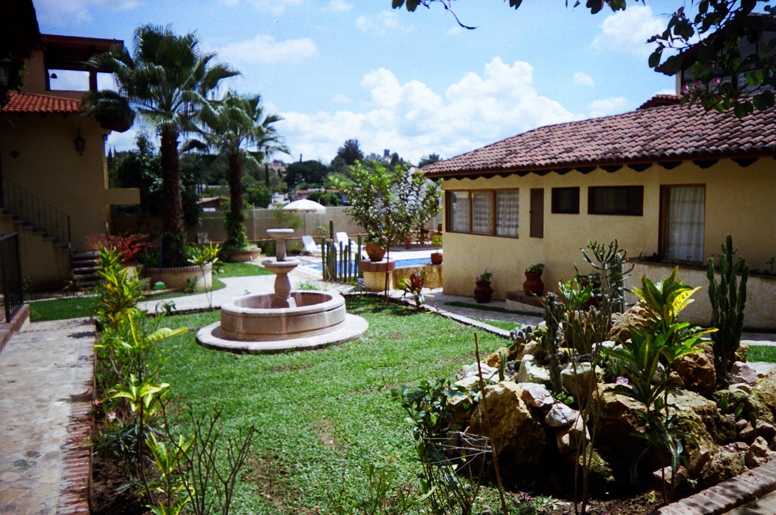 Vendo casa hermosos jardines en armonia - Casas y jardines ...
