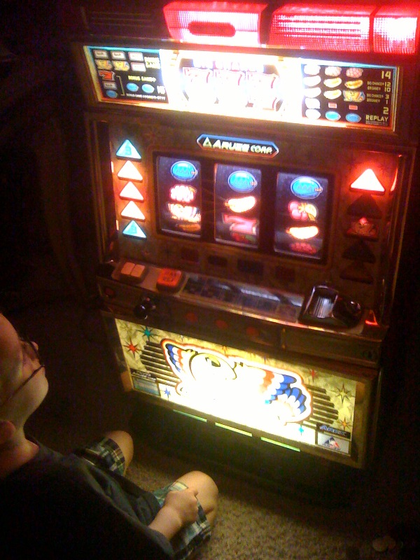 Vegas style slot machine for sale