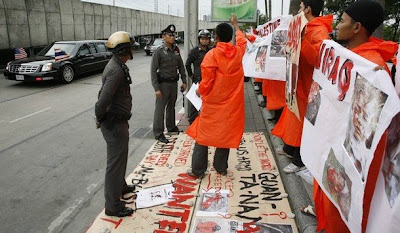 >Thai-Muslim protesters demonstrate against U.S. President