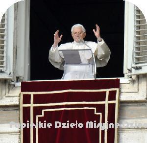 """VATICANO - O Papa no Angelus: """"A Epifania preanuncia a abertura universal da Igreja, seu chamado a evangelizar todos os povos"""""""