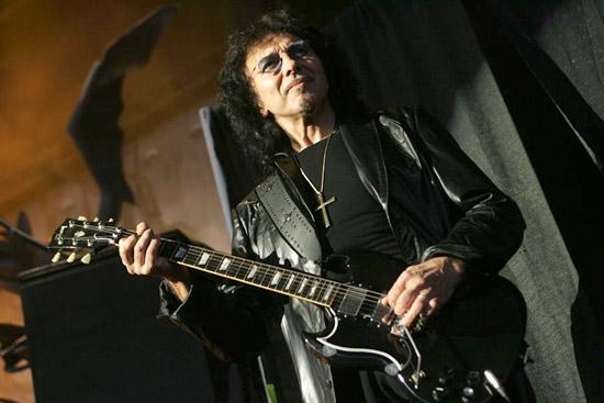 http://4.bp.blogspot.com/_9qGE3OfMNkQ/TDp4UdgKrHI/AAAAAAAACbY/JC4qv1LY-TA/s1600/Tony-Iommi.jpg