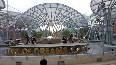 Lake of Dreams, Resorts World Sentosa (RWS), Singapore