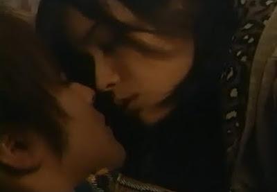 加藤ローサ 濡れ場 流出 キス 脱ぐ
