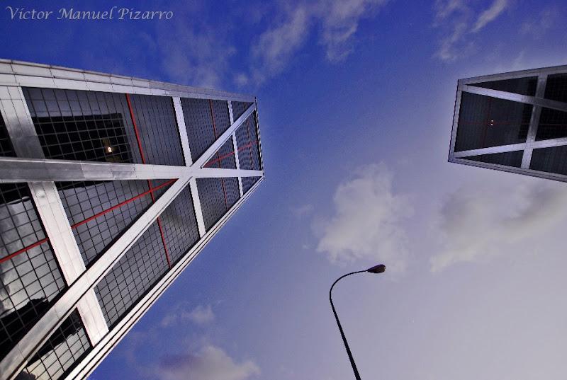 Torres kio madrid espa a ciudad dormida - Torres kio arquitecto ...