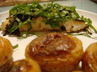 Delicious Dishings: Sea Bass With Lemon-Basil Vinaigrette