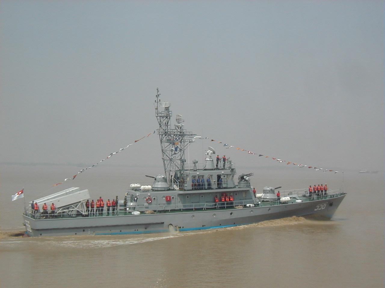 Forces armées birmanes/Myanmar Armed Forces/Tatmadaw Mm-navy-03