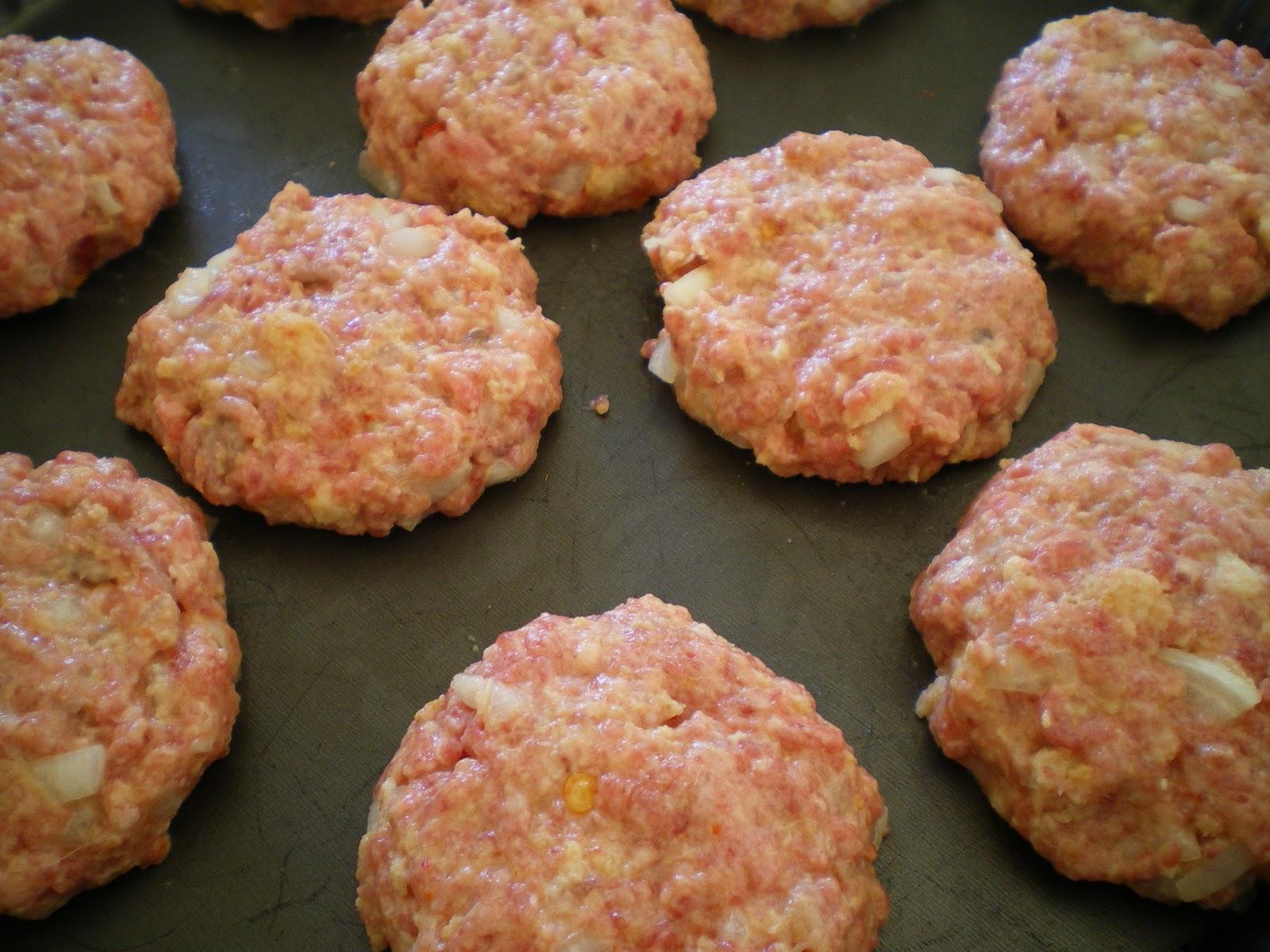 Shelly's Kitchen: Oven Baked Mini-Hamburgers