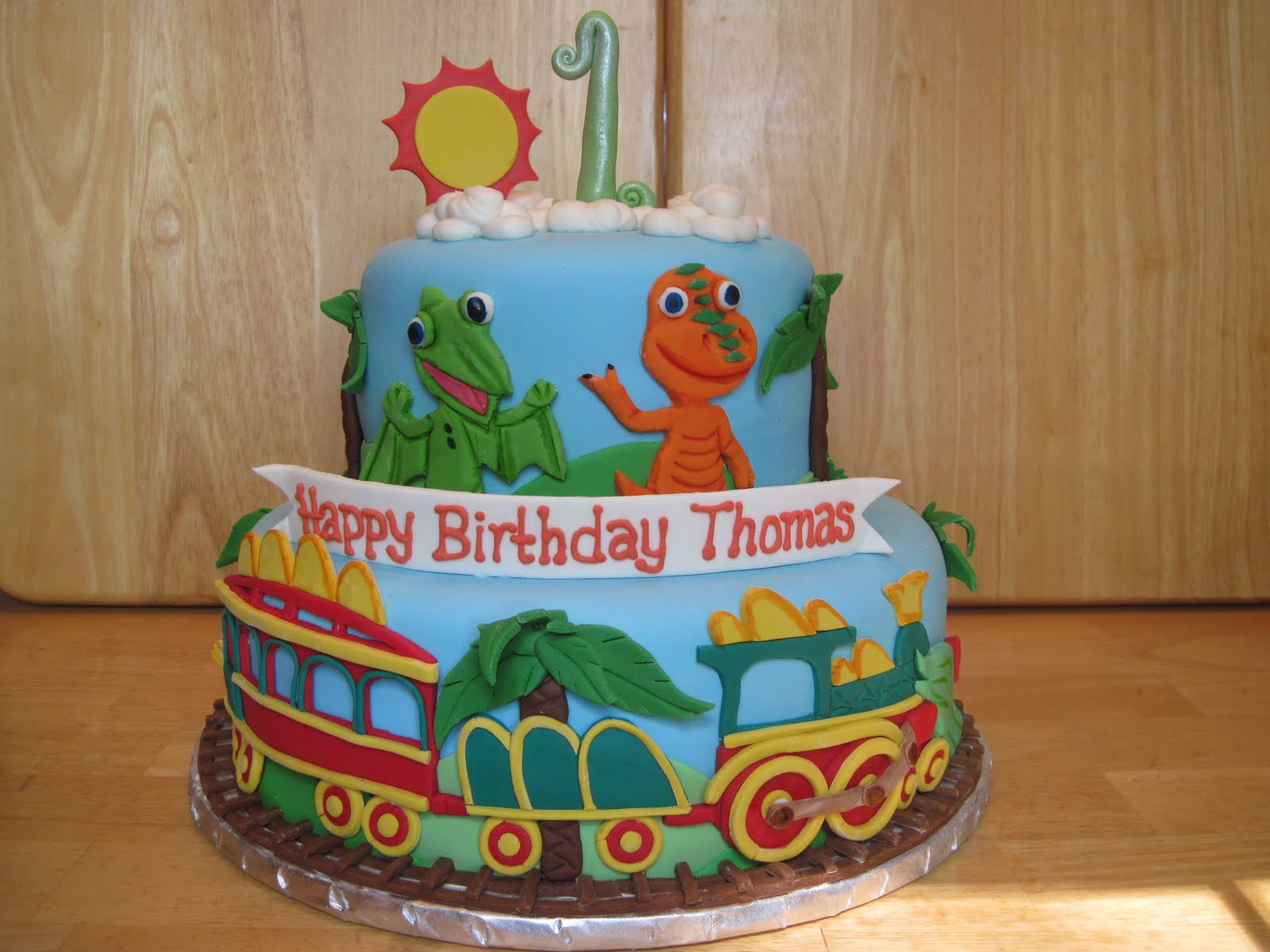 Dinosaur Train Cake Images : Heather s Cakes and Confections: Dinosaur Train
