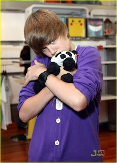 Justin Biebersmile Lyrics on Justin Bieber   U Smile Lyrics   Justin Bieber Lyrics Video