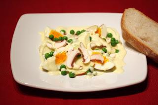 tojás tojássaláta házi majonéz alma zöldborsó borsó csiperke csiperkegomba champignon