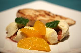 füge ricotta-köpenyben, vaníliás csirkemellel és narancsmártással