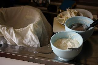 kókusztúró házi túró készítése túró házilag kókuszos túró ricotta káosz rendetlenség konyha