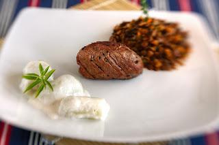 borjú bélszín borjúhús borjúbélszín thai citromfű lencse kókusztej sült póréhagyma segal étterem