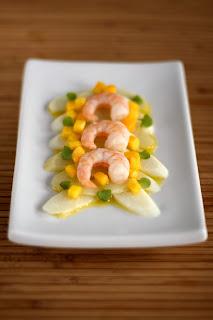 fehér spárga saláta mangó vanília vinaigrette öntet thai bazsalikom levél garnéla zöldcitrom