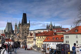 károly híd kisoldal torony szent vitus székesegyház templom hdr prága csehország