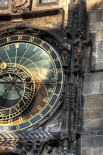 csillagászati óra óvárosi városháza prága csehország hdr csontváz halál csengő török kapzsiság