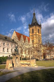 újvárosi városháza prága csehország hdr torony szobor