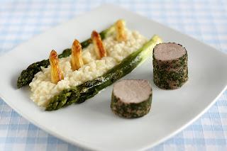 zöldfűszer kéreg fűszerkéreg sertésszűz sertésfile sertéshús fehér spárga zöldspárga zöld spárga spárga rizottó
