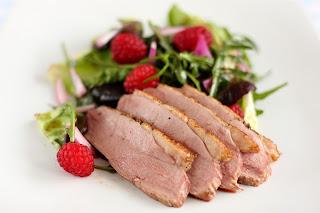 málna saláta rózsaszín kacsamell lilahagyma grenadine gránátalma szörp gránátalmaszörp málnaecet ecet