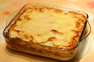 házi lasagne házilag lasagna darált hús száraz vörösbor paradicsom mártás paradicsommártás béchamel mártás