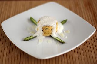 zöld spárga zöldspárga tojás felfújt soufflé szuflé tojásfelfújt sajt pecorino hab pecorinohab