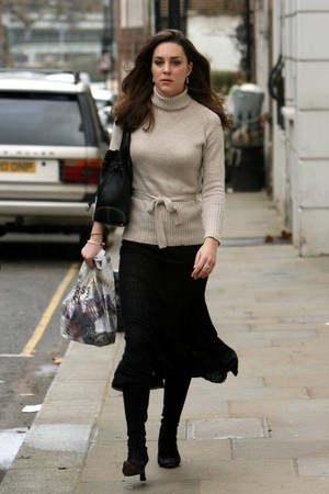 kate middleton mother. joqevozut: kate middleton