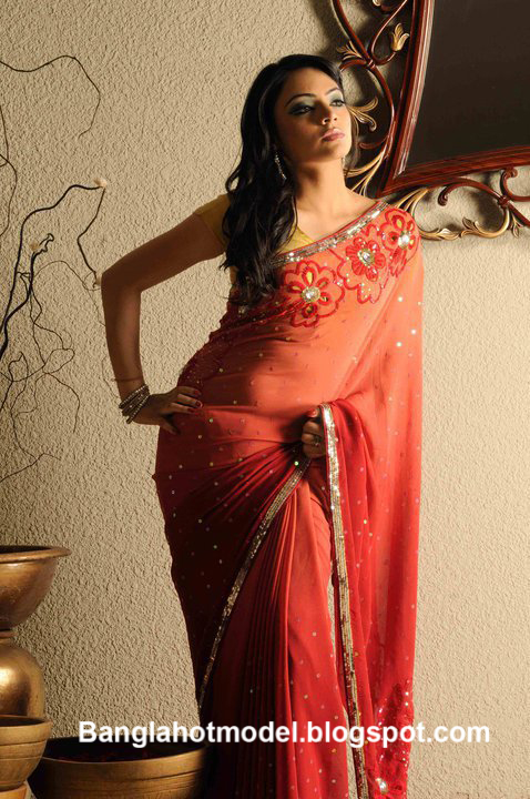 Lux Superstar Ishana