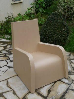 banc en carton avec rangement chaussures par ouverture sur l 39 avant cartonaje y. Black Bedroom Furniture Sets. Home Design Ideas
