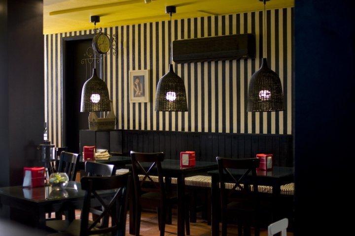 decoracao de interiores caldas da rainha:Decoração fabulosa..Ambiente sereno.Pastelaria Soberba!!!!