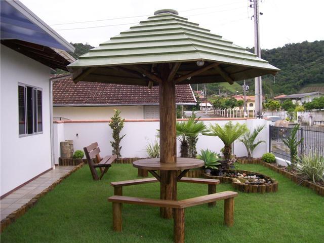 quiosque de cobertura de madeira tratadas