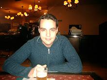 "Sergio Rodriguez ( Director "" A Ras de Moqueta """