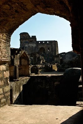 Posted by Vibha Malhotra : Madan Mahal - Watch Tower of the Past : A View of the Fort Through one of the Arches