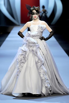 una noche enfundada en este vestido,