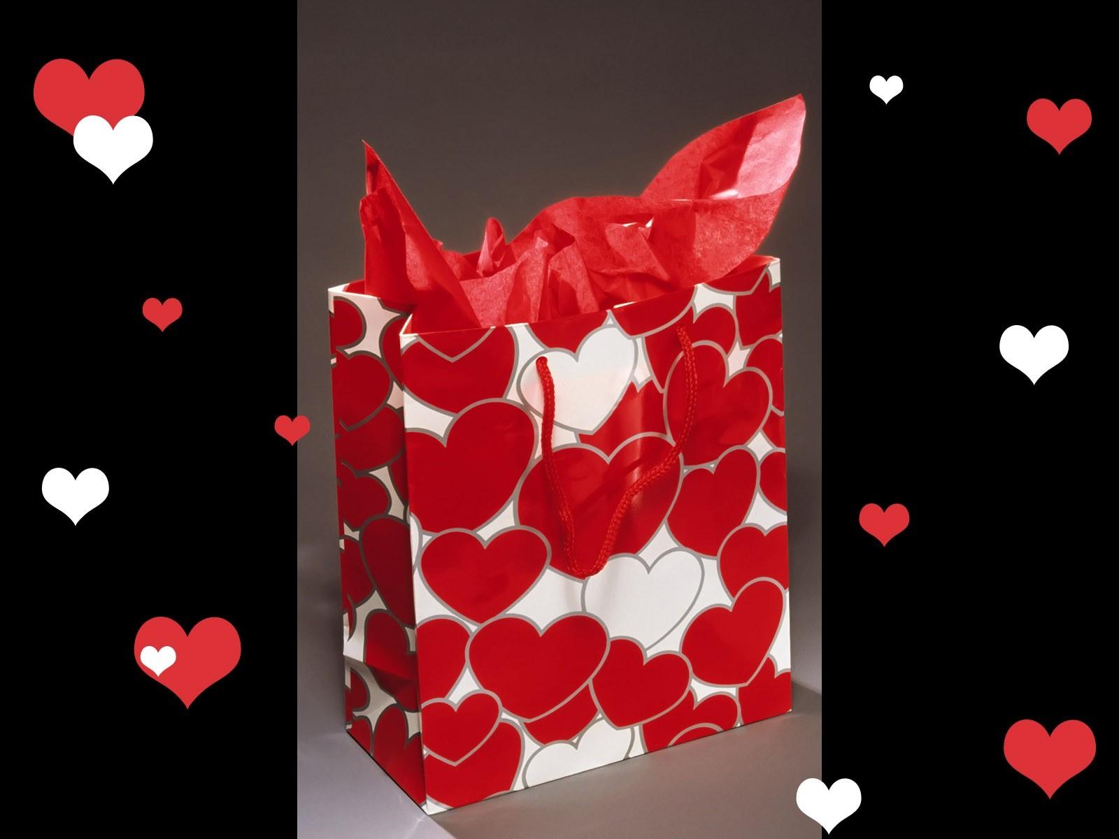 http://4.bp.blogspot.com/_A6XVQjlah18/TJDRwvCLtAI/AAAAAAAAADs/g_x3MLgeGBM/s1600/Love+wallpapers19.jpg