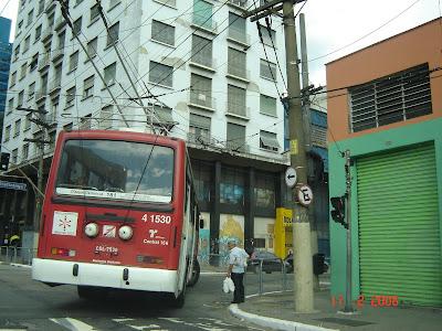 Trólebus - São Paulo, Brasil - free picture by Emilio Pechini