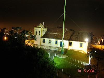 Foto tirada com câmera digital Sony DSC P73 da Capela de Nossa Senhora do Monte Serrat em Santos - foto de Emilio Pechini