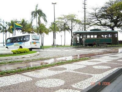 Microônibus da Linha Turística 'Conheça Santos' que percorre pontos turísticos e históricos de Santos - Foto de EMILIO PECHINI