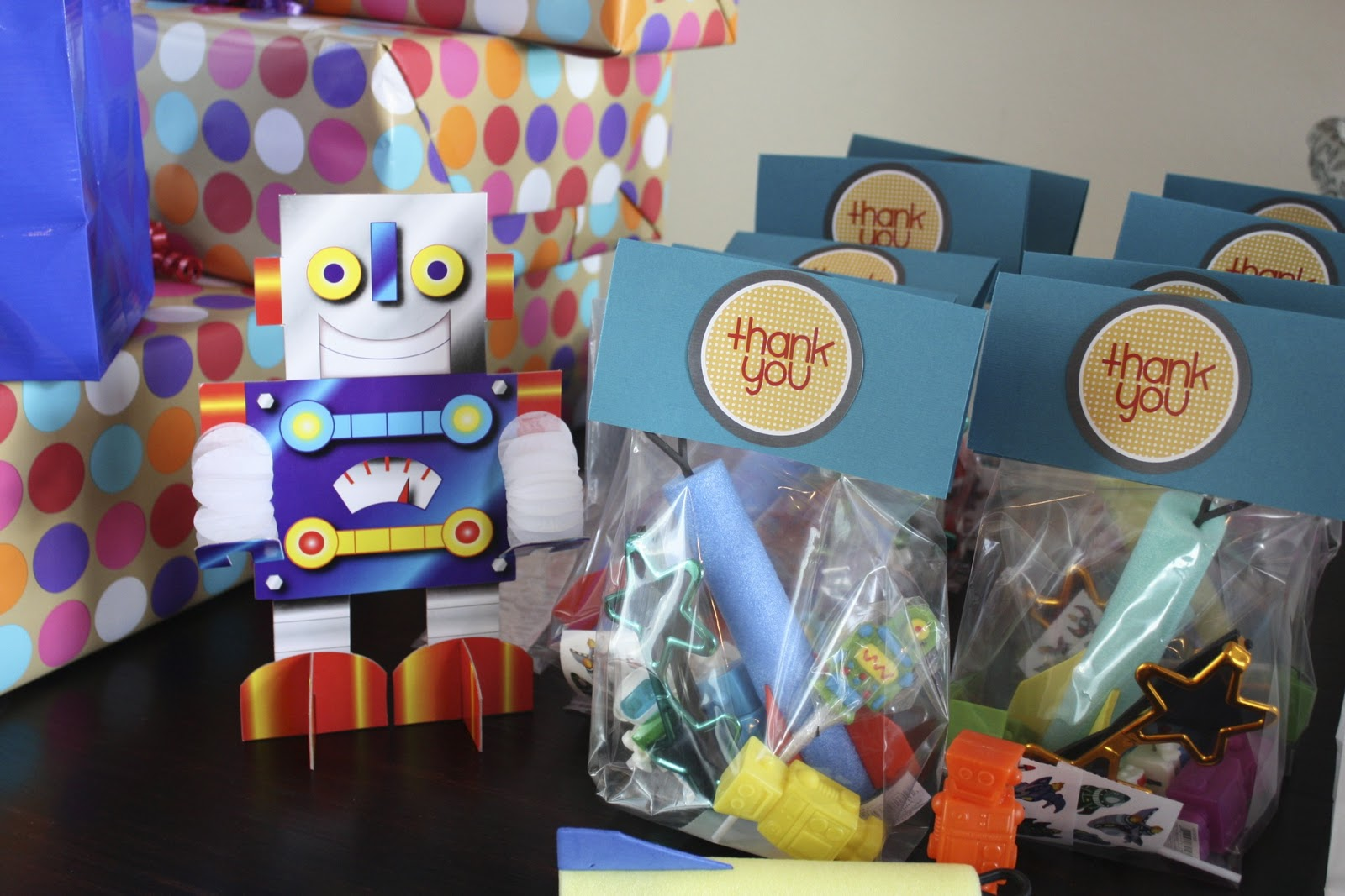 Robot Birthday Decorations: The Teleporting Toddler: Robot Birthday Party