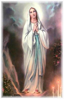 Cual es la virgen vestida de blanco
