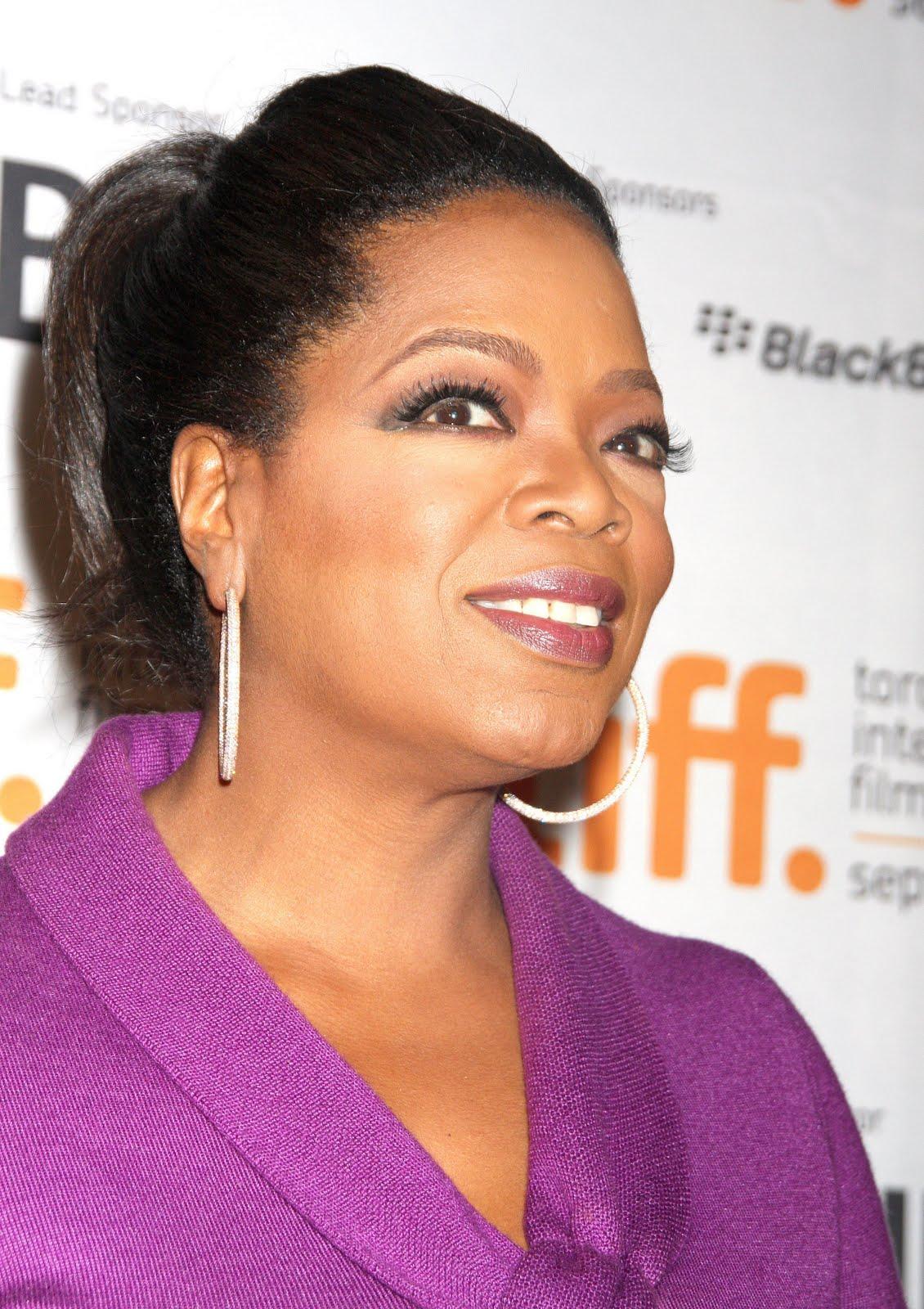http://4.bp.blogspot.com/_ABYwC1pviRs/S-L8B1-kYRI/AAAAAAAAAiY/twhpIcL2jj0/s1600/Oprah+TIFF+2.jpg