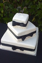 John and Mindy's wedding cake