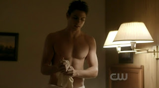 Sean Faris Shirtless on The Vampire Diaries s1e13