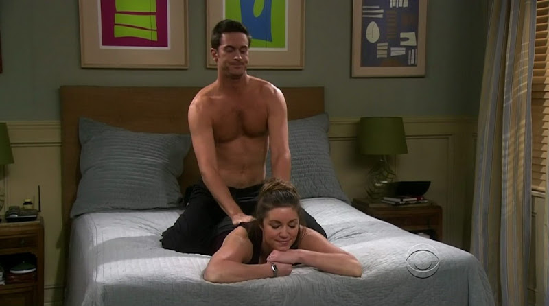 Oliver Hudson Shirtless on Rules of Engagement s4e12