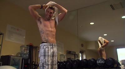 Jesse Beck Shirtless on the Bachelorette s6e01