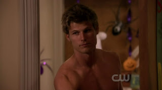 Travis Van Winkle Shirtless on 90210 s2e07