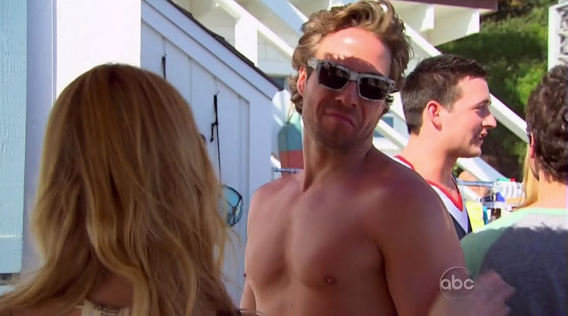 Craig M Shirtless on The Bachelorette s6e02