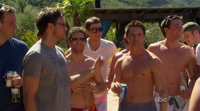 Jonathan Novack Shirtless on The Bachelorette s6e02