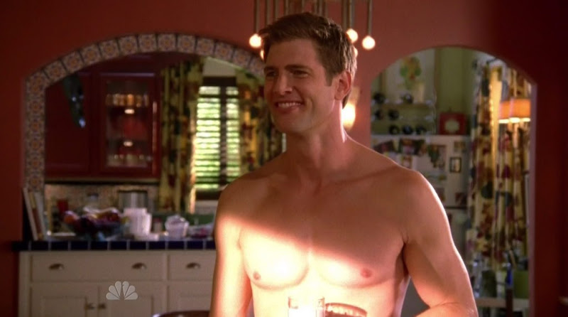 Ryan McPartlin Shirtless on Chuck s4e02