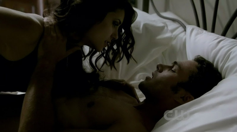 Taylor Kinney Shirtless on The Vampire Diaries s2e06
